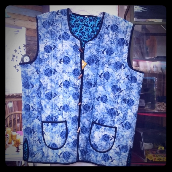 Unisex Mens/womens quilted vest Reversible NEW 48